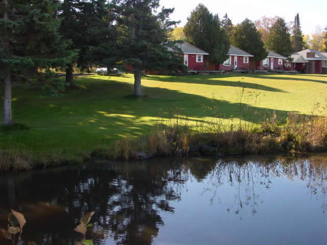 Cabin_for_rent_in_Cornucopia_Wisconsin